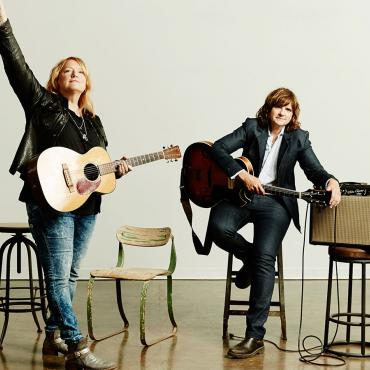 Lightness Has a Call That's Hard to Hear (Indigo Girls Live in Asheville)