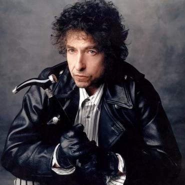 Watching Bob Dylan in Mesa, Arizona (1988)
