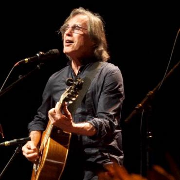 """""""Let the Music Keep Our Spirits High"""": Jackson Browne in London"""
