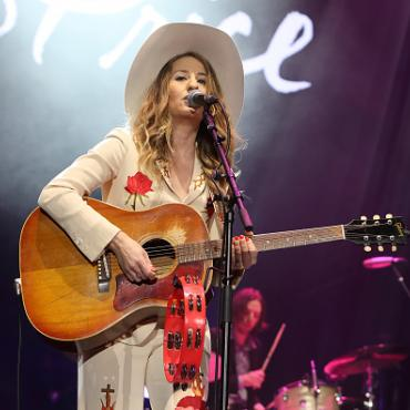 Country to Country Fest Features Emmylou Harris and Margo Price at London's O2