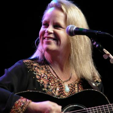 'We Traveled So Far': Mary Chapin Carpenter at The Barbican, London