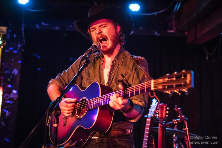 Colter Wall at the Sunset Tavern