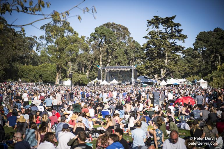 The crowds at the Banjo Stage during Hardly Strictly Bluegrass