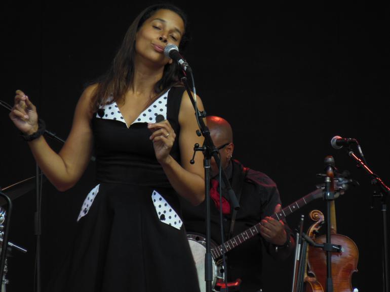 Rhiannon Giddens Calgary Folk Festival 2015