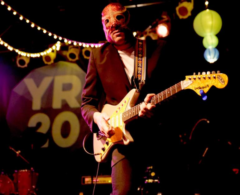 Los Straitjackets, Yep Roc 20