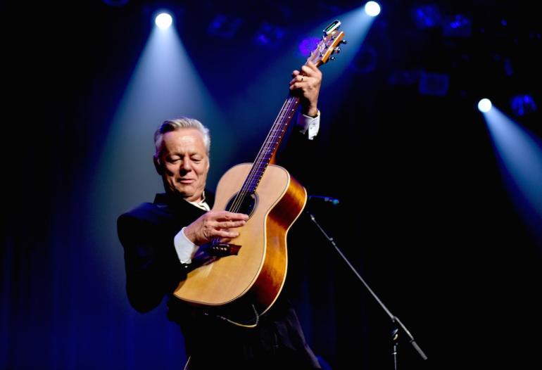 """Tommy Emmanuel: """"Nashville Skyline Rag"""""""