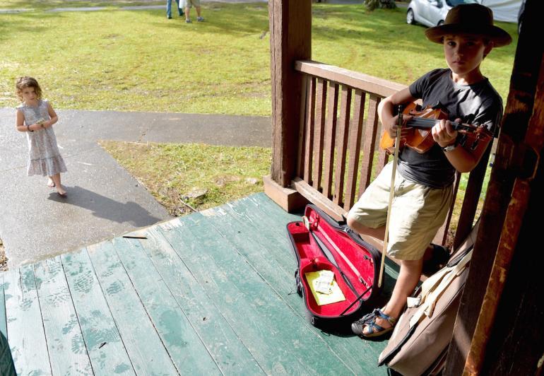 Young Fiddler, Clifftop 2016