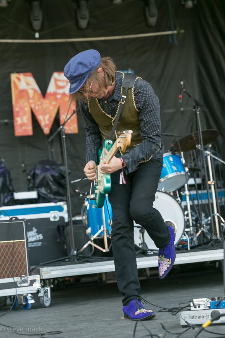 Aaron Lee Tasjan ... those purple shoes!