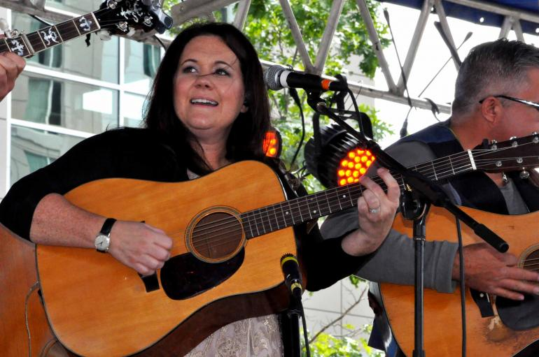 Amanda Smith at IBMA Wide Open Bluegrass 2016