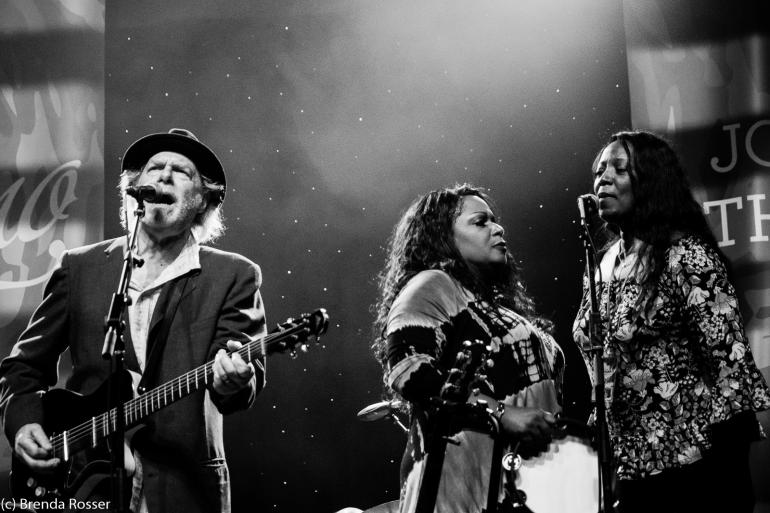 Buddy Miller and Regina and Alfreda McCrary