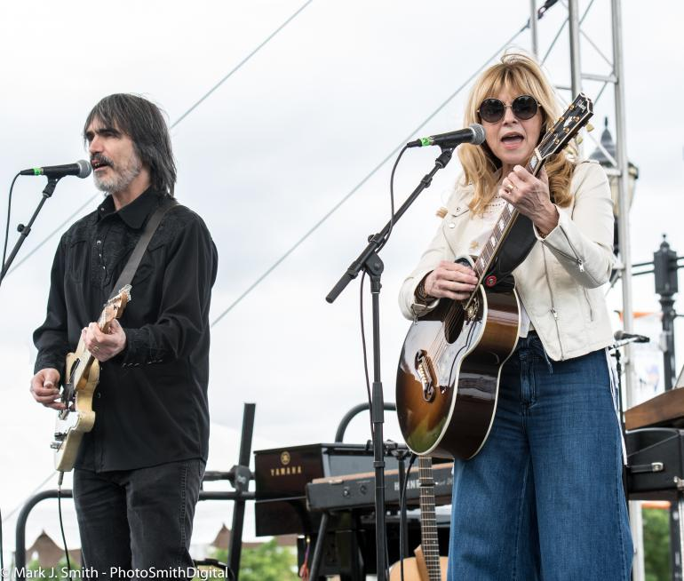 Larry Campbell and Teresa Williams at David Bromberg's Big Noise festival