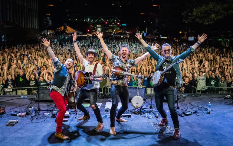 We Banjo 3 on Tour in the US, 2017
