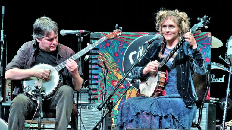 Bela Fleck & Abigail Washburn Mountain Stage 10/26/2014