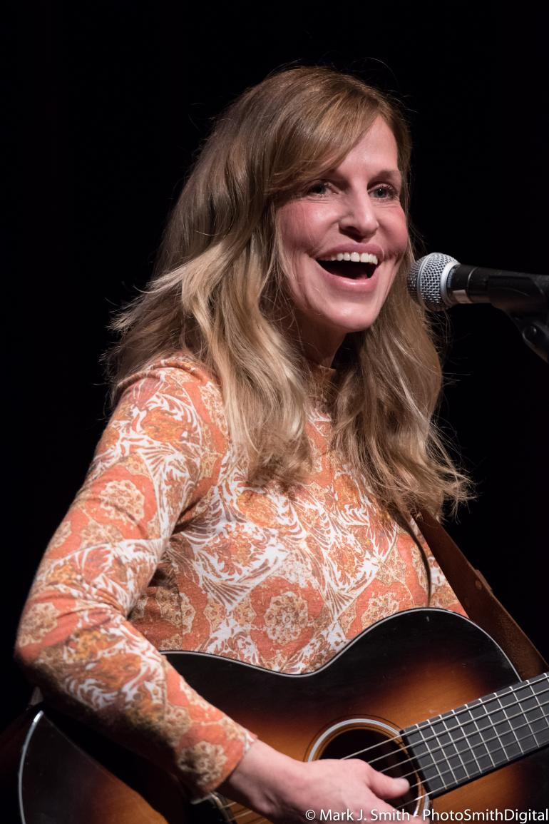 Lizanne Knott at Sellersville Theater 2018