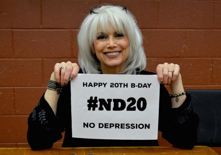 Emmylou Harris Wishes No Depression a Happy 20th Birthday