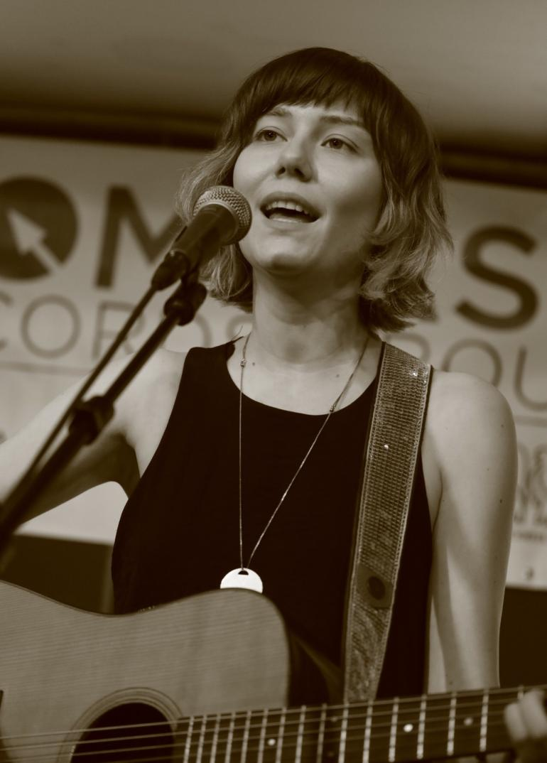 Molly Tuttle at Compass Records/ No Depression Showcase AmericanFest 2018