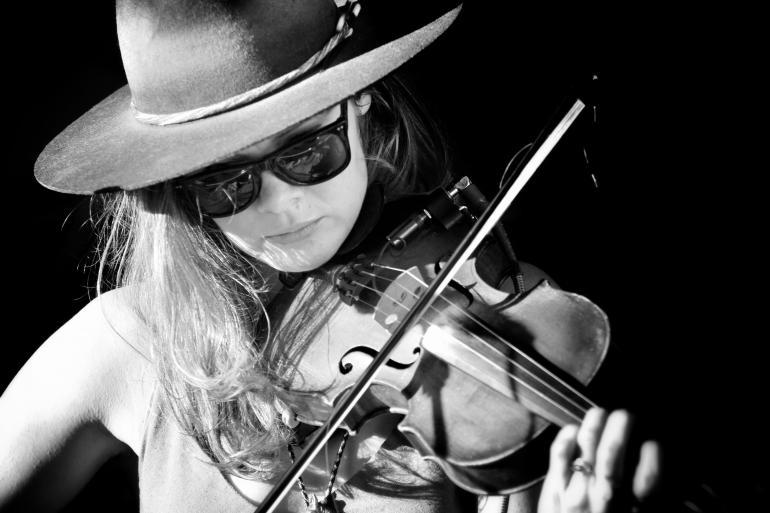 Suzanne Santo of Honey Honey at the 2017 Nelsonville Music Festival