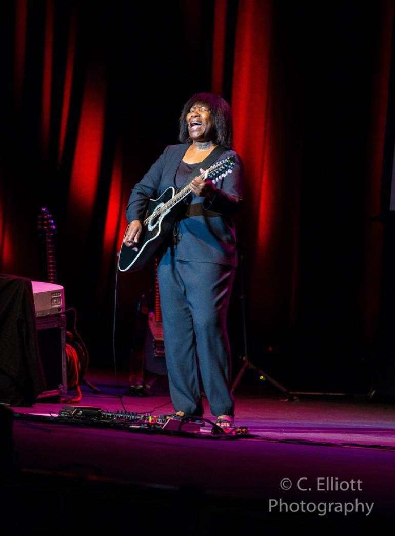 Joan Armatrading @ Fox Theatre