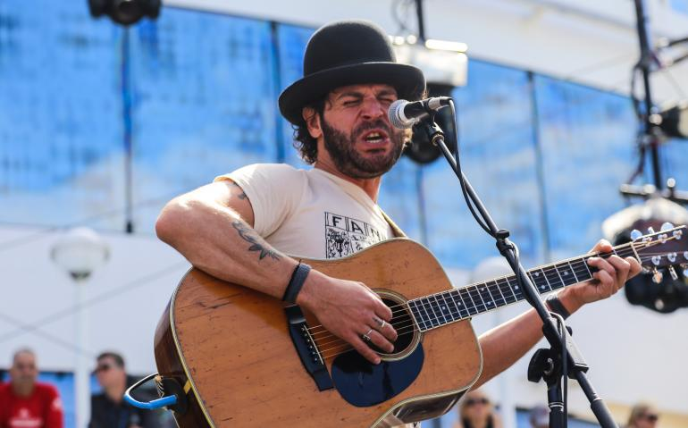 The expressive Langhorne Slim on Cayamo 2016