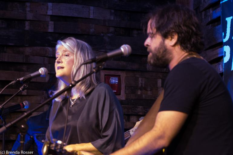 Kim Richey and Mando Saenz perform at Americanafest 2017