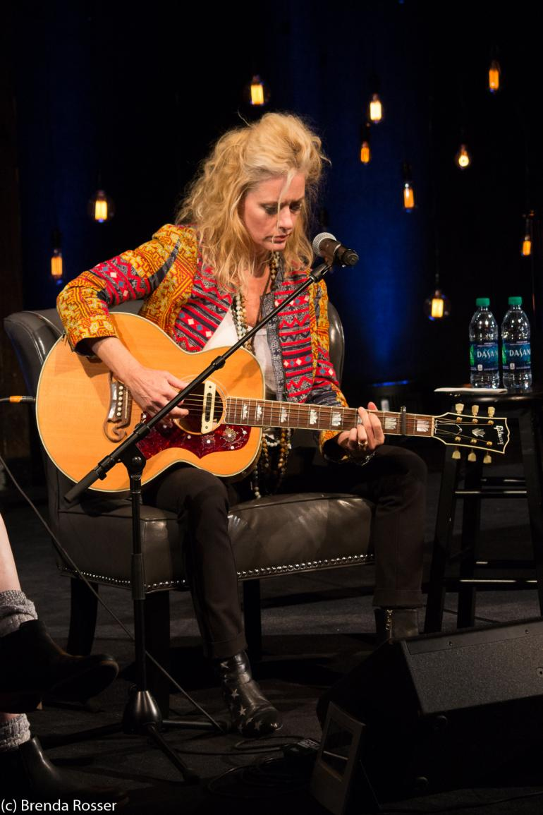 Shelby Lynne performs at Americanafest 2017