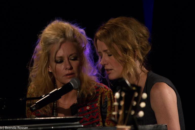 Shelby Lynne and Allison Moorer perform at Americanafest 2017