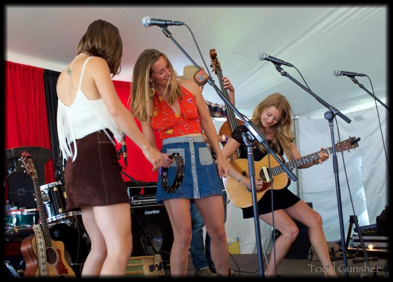 T Sisters at Floydfest
